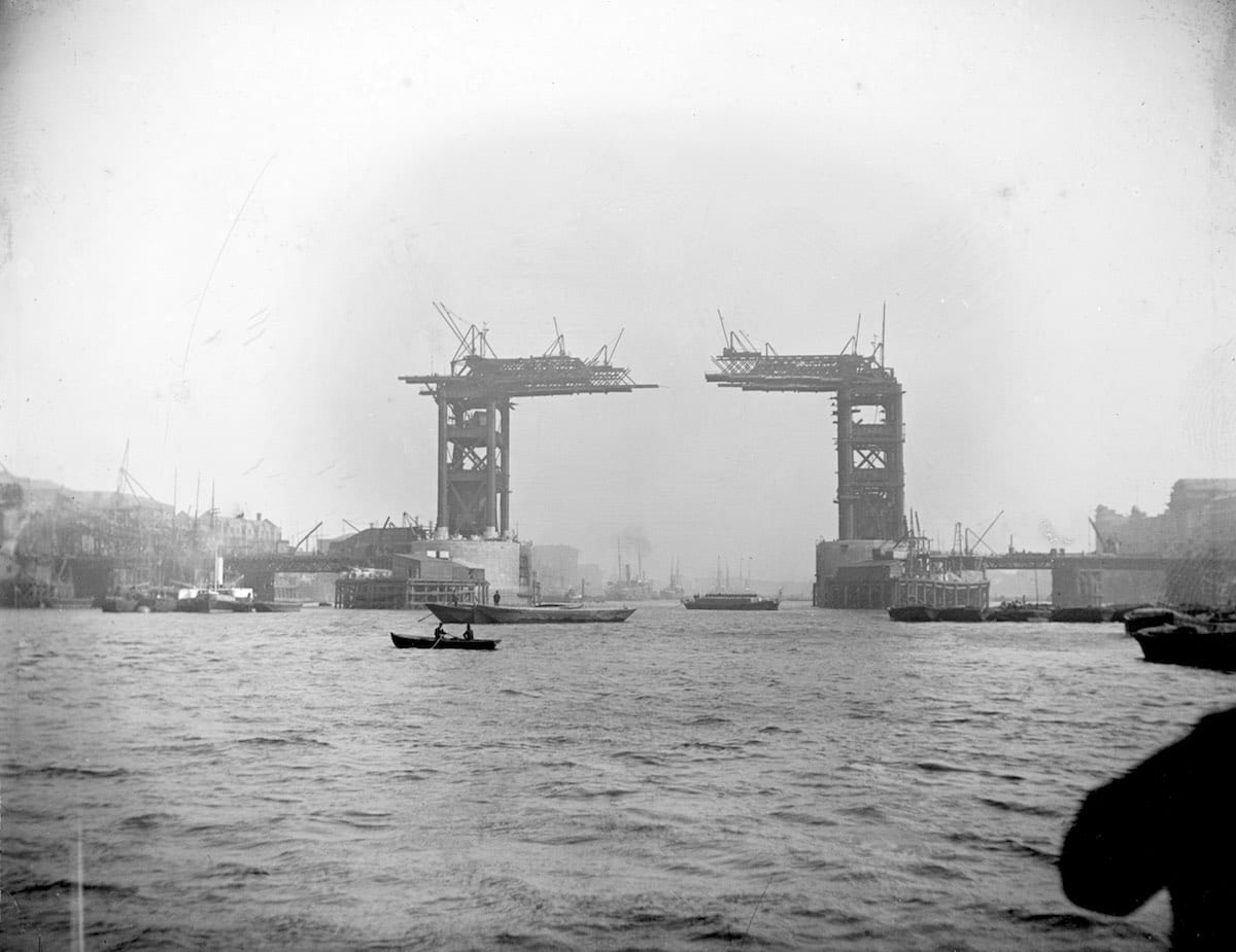 1889 - Tower Bridge, London - 1