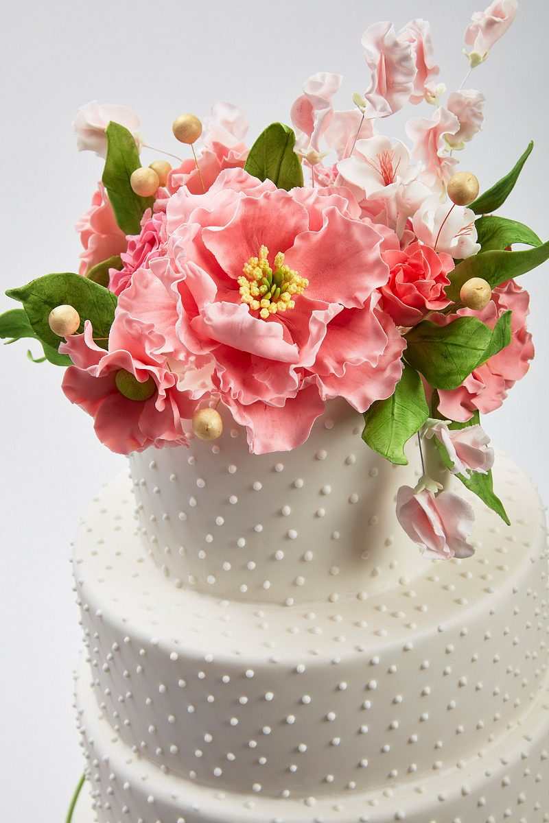 Pink & Pearls | Clare Anne Taylor Couture Cakes